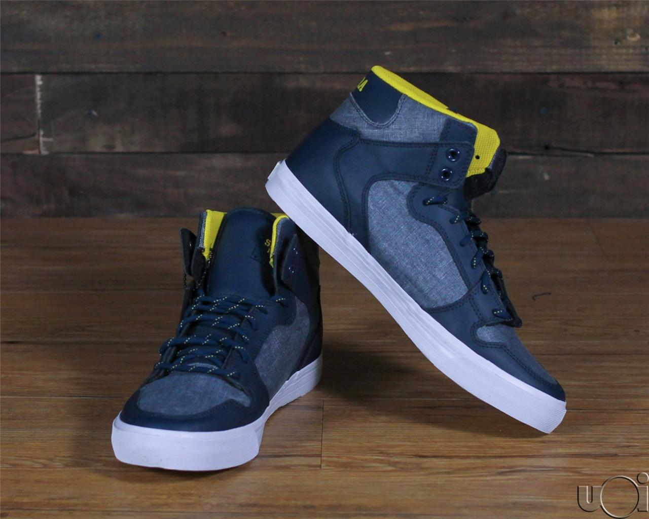 Displaying 16> Images For - Trukfit Shoes