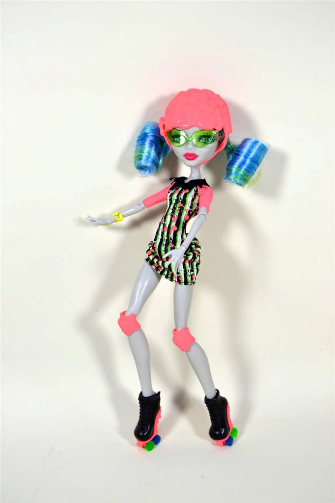 Monster high ghoulia yelps roller maze doll box ebay - Monster high ghoulia yelps ...