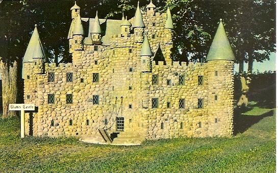 PEI Prince Edward Island ~ Model of Glamis Castle at Woodleigh Replicas near KENSINGTON