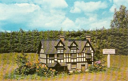 PEI Prince Edward Island ~ Model of Shakespeare's Birthplace at Woodleigh Replicas near KENSINGTON