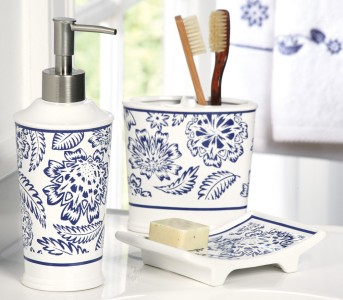 Bathroom Accessory Sets on Bathroom Accessory Set Navy Blue White Calico Pattern Three Pc Set New