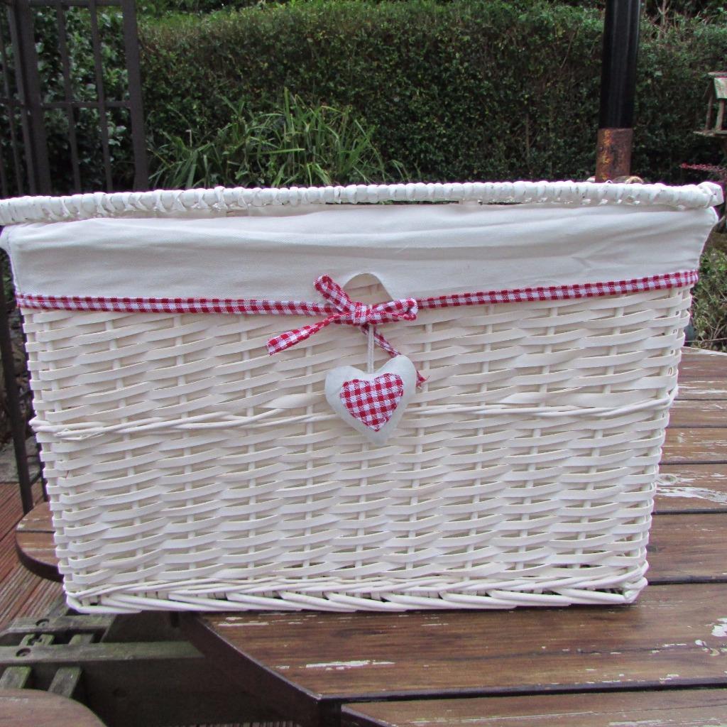 red gingham heart white wicker hamper basket with lid linen storage rectangular ebay. Black Bedroom Furniture Sets. Home Design Ideas