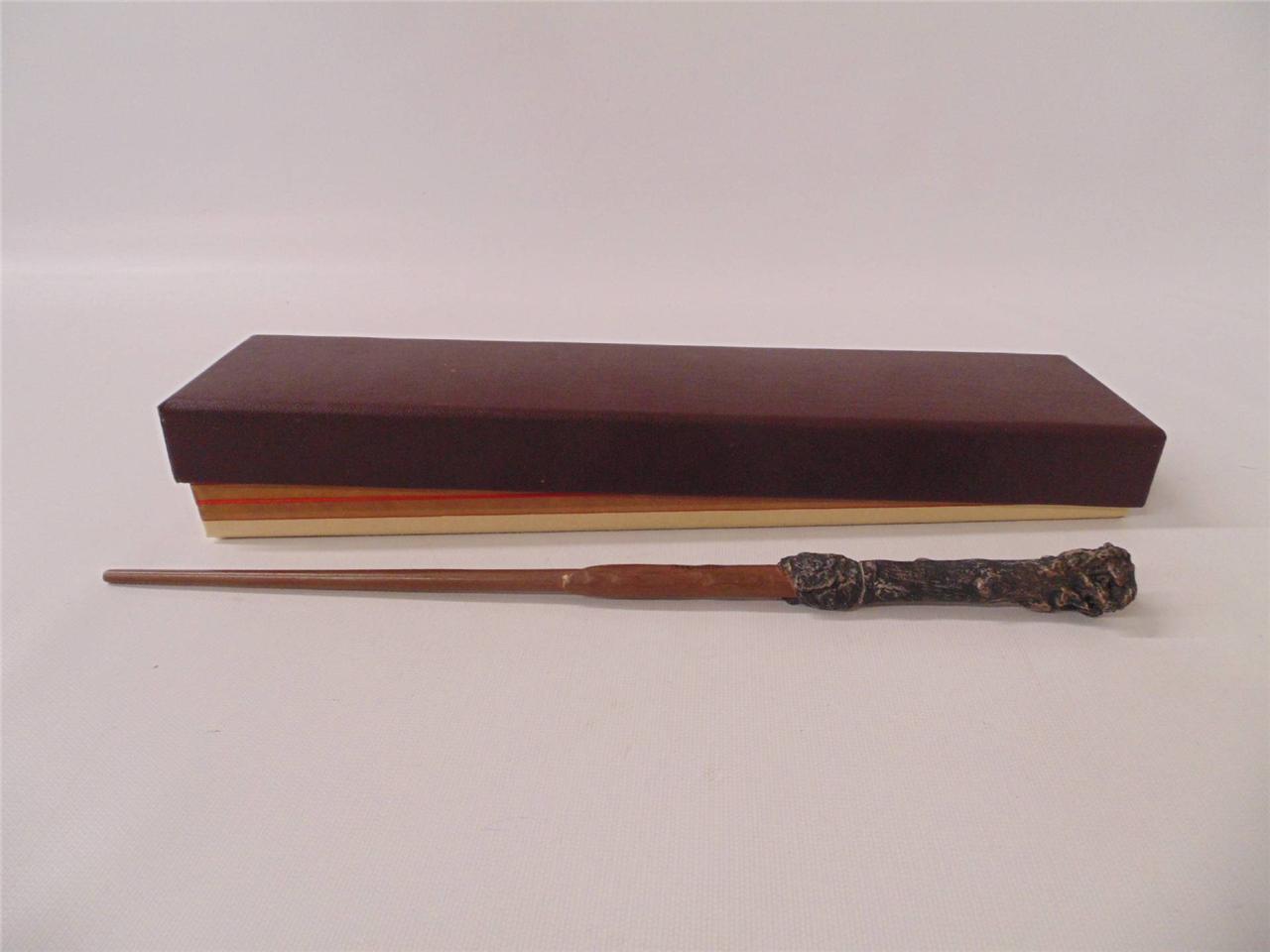 Harry potter wand prop replica ollivander 39 s box noble for Ollivanders elder wand