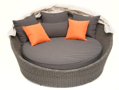 Outdoor furniture round sun lounge wicker rattan day bed patio pool