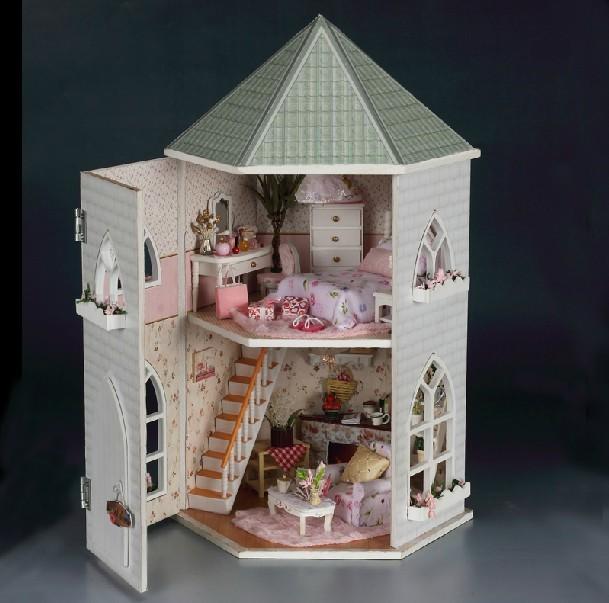 DOLL HOUSE PRINCESS LOVE CASTLE + LED LIGHTING + FURNITURE