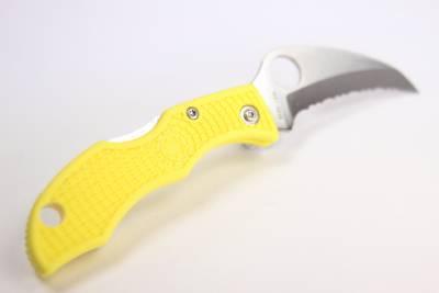 Spyderco ladybug 3 salt h1 yellow hawkbill knife japan for Spyderco fish hunter
