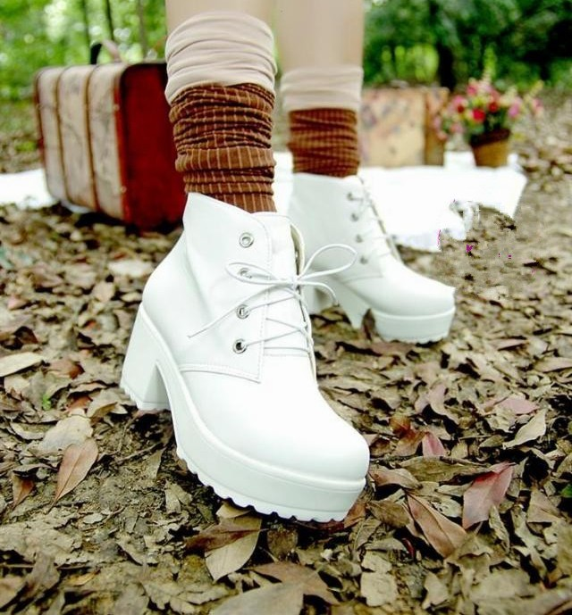 New-Womens-Black-amp-White-Punk-Rock-Lace-Up-Chunky-Heels-Platform-Ankle-Boots-Shoes