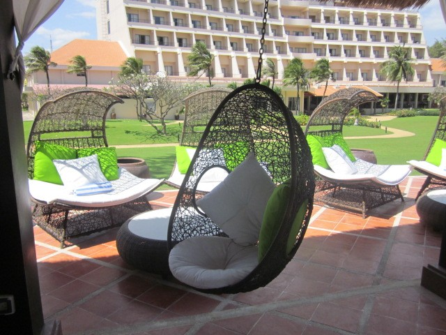 Wicker-Rattan-Hanging-Egg-Pod-chair-Swing-Outdoor-Furniture-Deck-Patio-Setting
