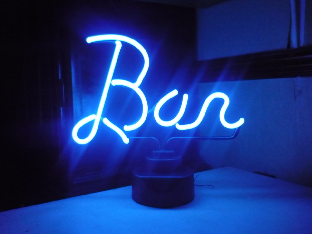 12 neon light up bright red or blue illuminated bar sign pubs clubs home ebay. Black Bedroom Furniture Sets. Home Design Ideas