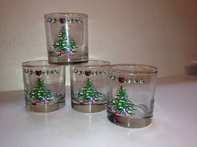 Vintage glass christmas tree themed drinking glasses set for Christmas in a glass cocktail