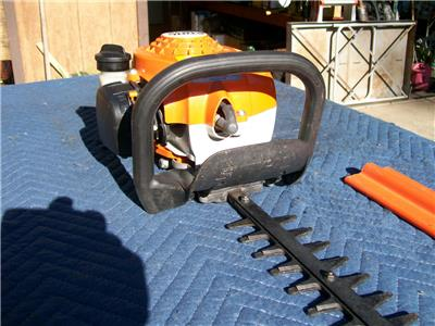 stihl hs 45 hedge trimmer very low hours one owner with. Black Bedroom Furniture Sets. Home Design Ideas