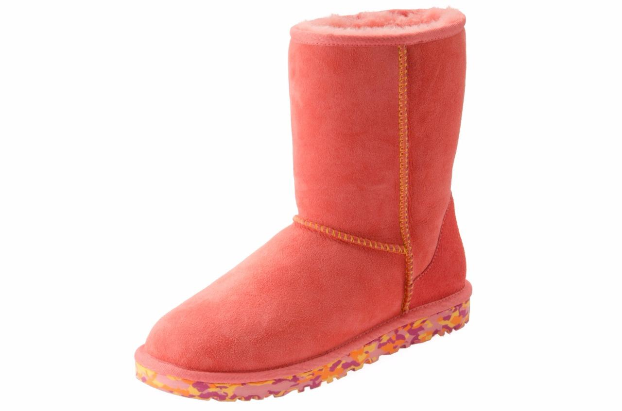 ugg women 39 s classic short pink suede sheepskin boots size. Black Bedroom Furniture Sets. Home Design Ideas