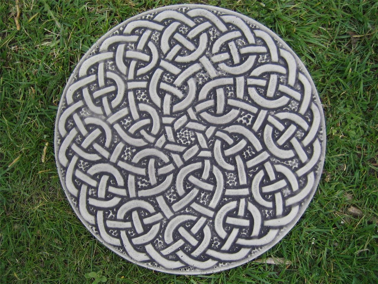 Eternal celtic knot steppingstone garden ornament 57