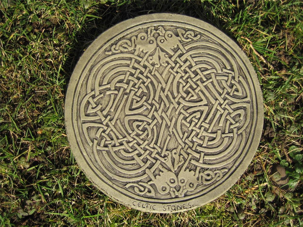 Square knot celtic stepping stone garden ornament for Celtic garden designs