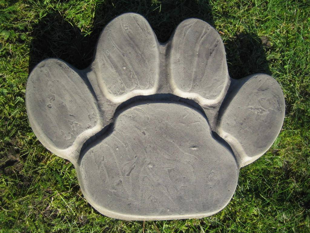 Paw print stepping stone stone garden ornament ebay for Stepping stone designs garden layouts