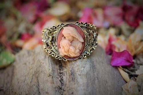 Blessed Virgin Mary and Baby Jesus Vintage Bracelet Cameo