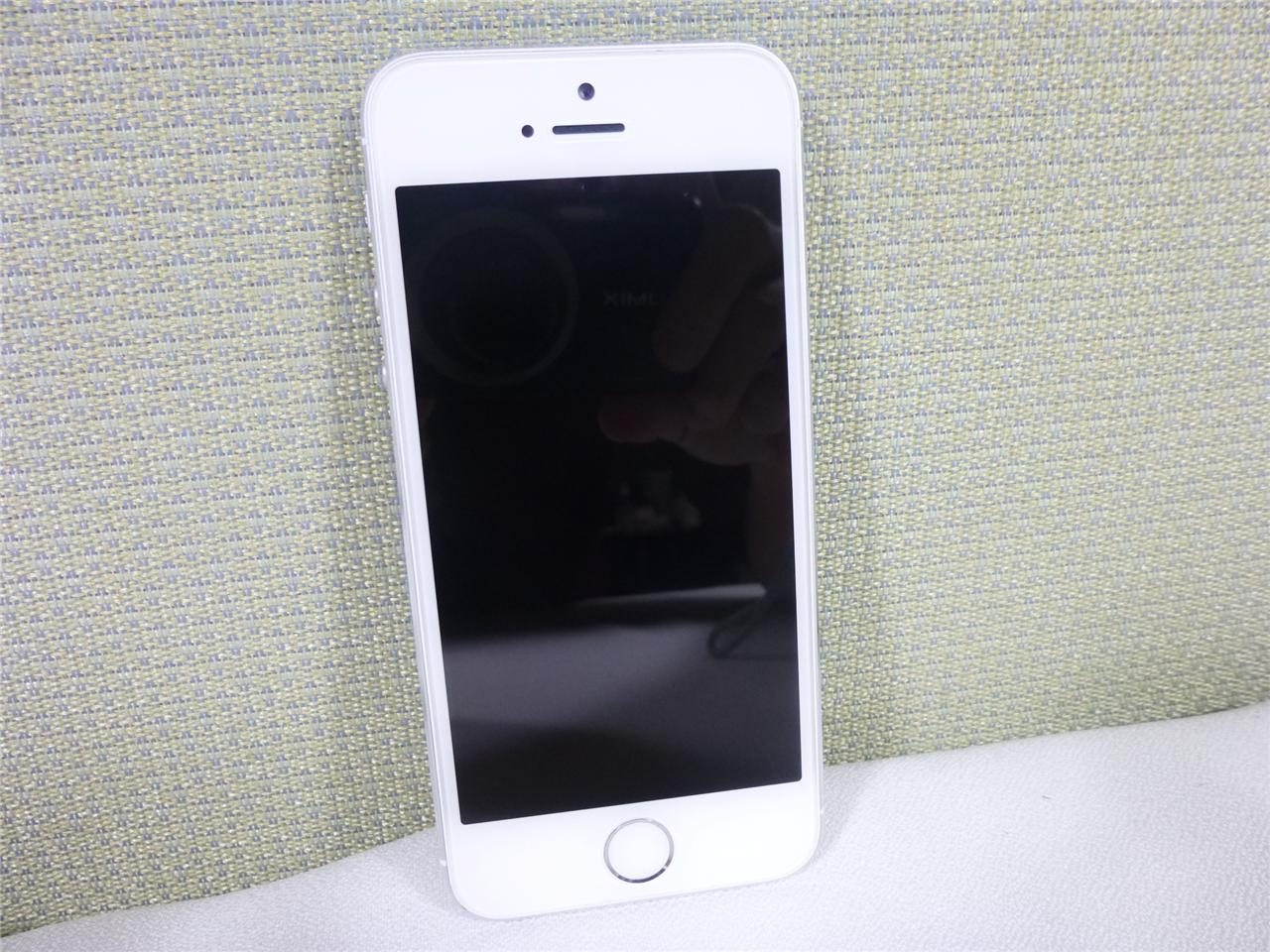 used unknown carrier apple iphone 5s 16gb silver. Black Bedroom Furniture Sets. Home Design Ideas