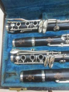 buffet clarinet dating A buffet r13 bb clarinet, which is a commission sale for clarinets direct this instrument is in good condition, and has been owned by a professional uk jazz player it is an enhanced boehm with 7 rings which enable a fork eb/bb in the left hand.