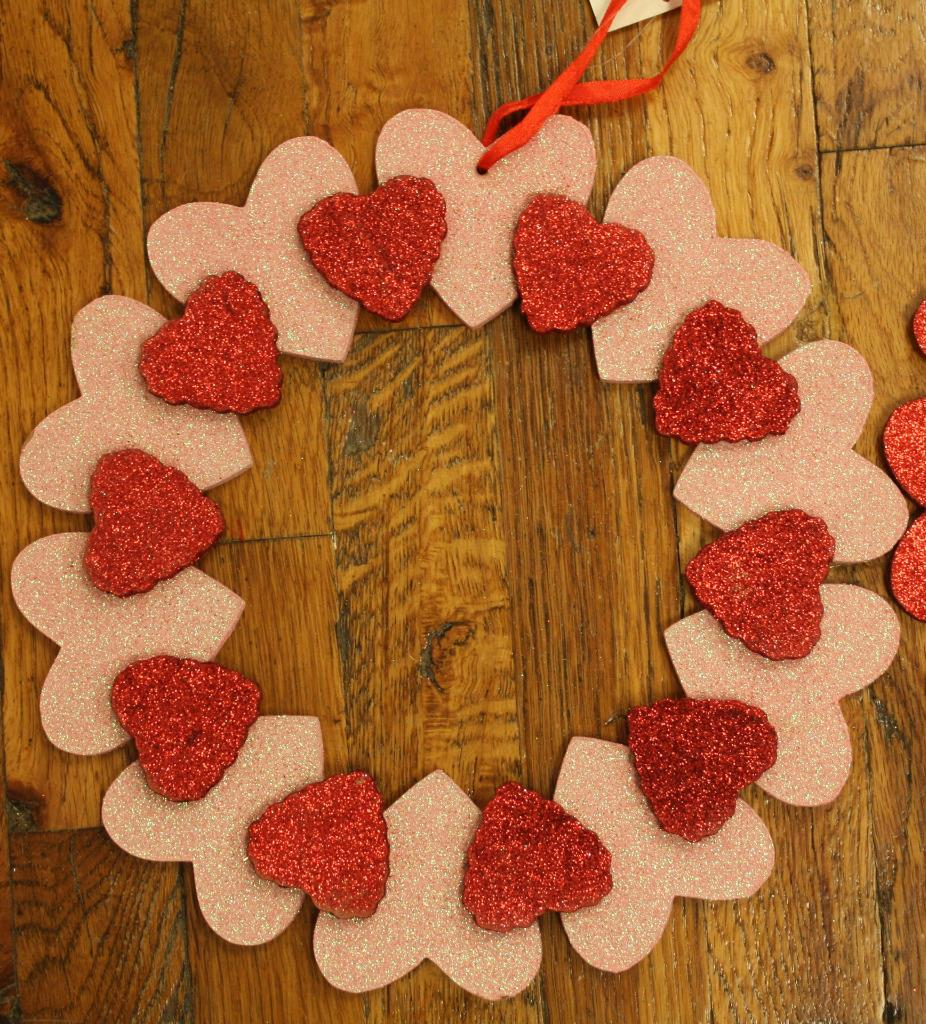 Hanging Heart Wall Decor : Holiday inspirations valentines day wall hanging heart