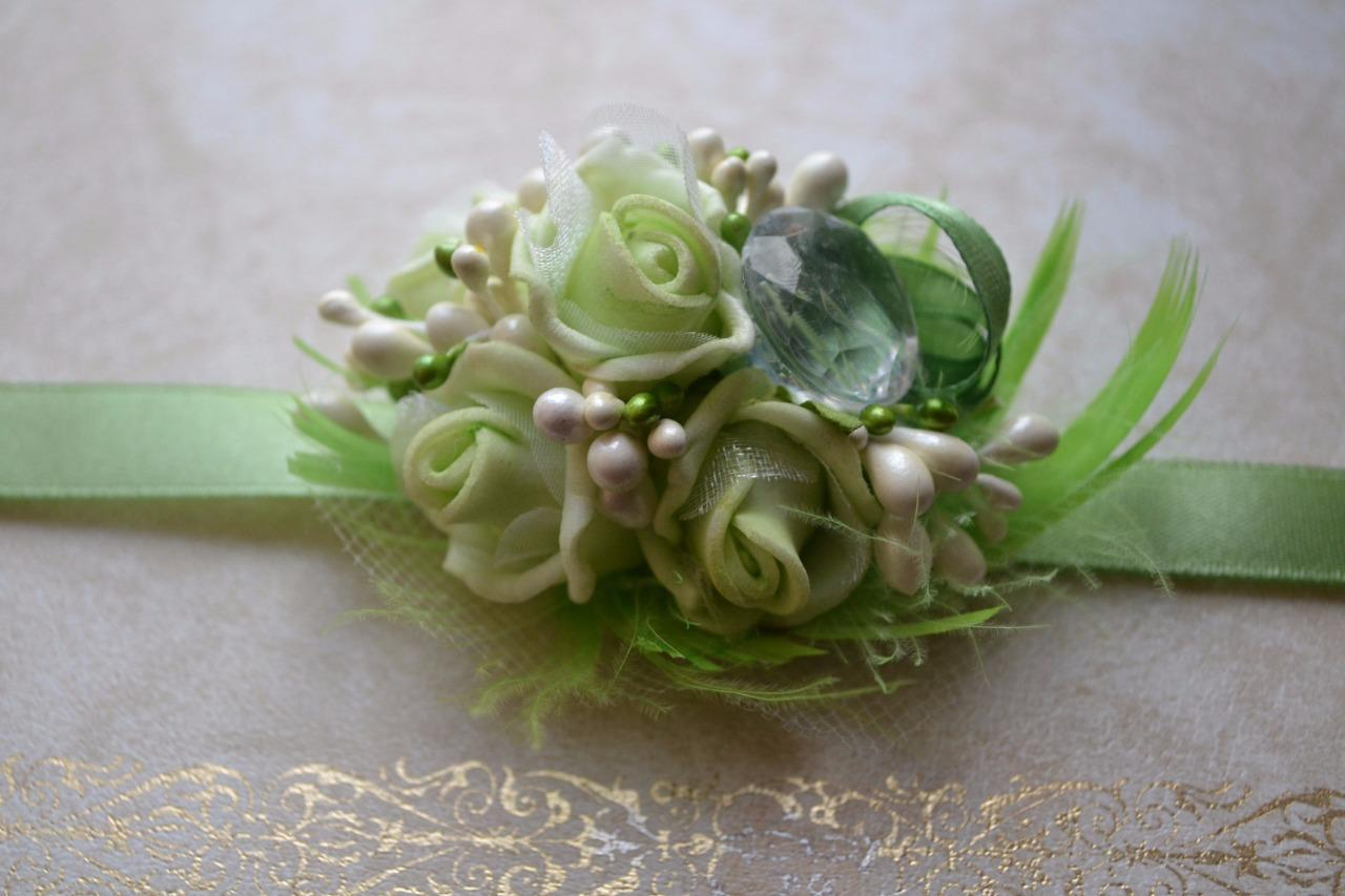 Wedding & Prom wrist flowers corsage buttonhole green