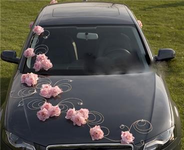 Wedding car decoration pink