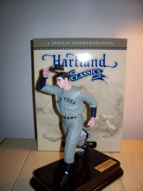 Joe DiMaggio Running Yankee Hartland Case of 6 Figures
