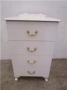 C47020 white queen anne 4 drawer bedside small chest of for Small bedside chest of drawers
