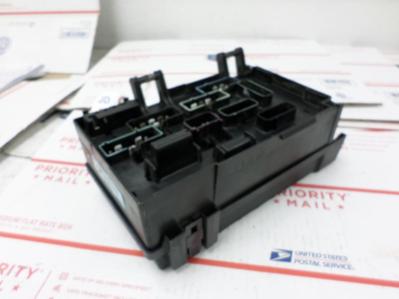 Image is loading FUSE-BOX-INTEGRATED-POWER-MODULE-DODGE-CARAVAN-2003-