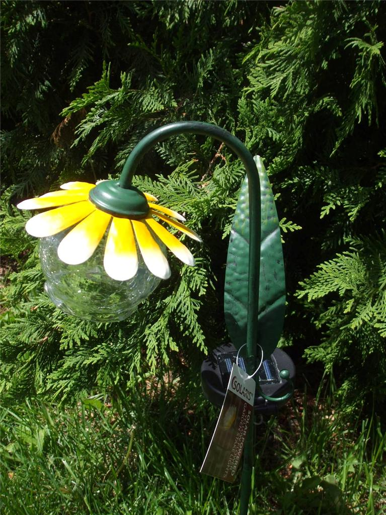 solar powered light pink or yellow daisy flower garden stake new ebay