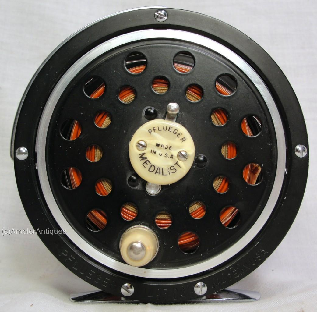 Antique vintage pflueger medalist 1495 da fly fishing reel for Fly fishing reels ebay