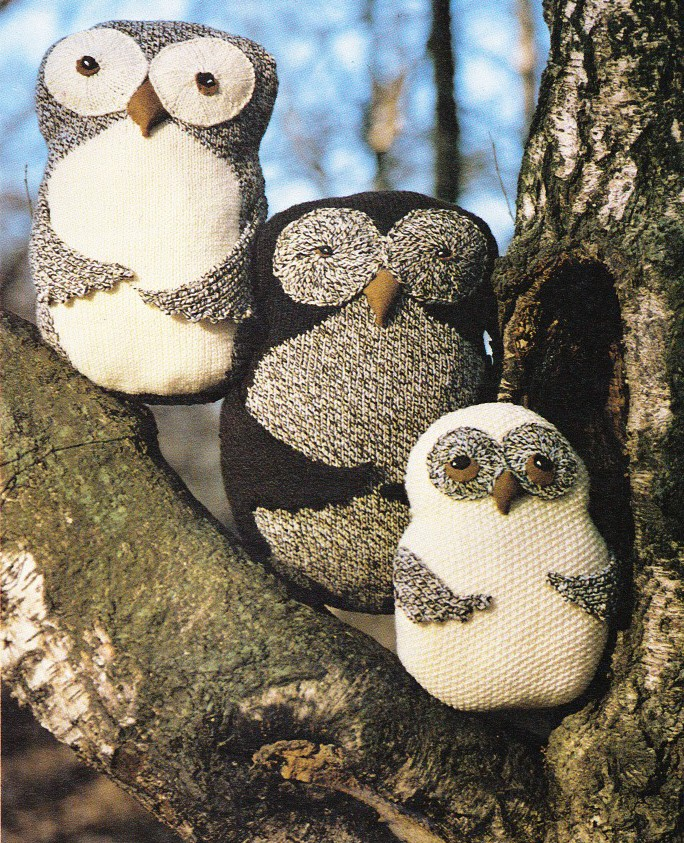 Owl Cushion Knitting Pattern : OWL CUSHIONS / TOY 8ply - toy knitting pattern eBay