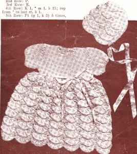 Knitting Patterns Baby Frocks : VINTAGE SHELL FROCK & BONNET / 3ply - 6 to 12 months - baby knitting patt...