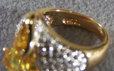 KENNETH JAY LANE 18 K GOLD BOLD CRYSTAL FANCY RING 9 *