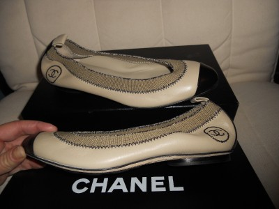 CHANEL Stretch Leather Two Tone CapToe Ballet Ballerina Flat Shoes