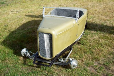 mini hot rod fibreglass body on steel c channel chassis. Black Bedroom Furniture Sets. Home Design Ideas