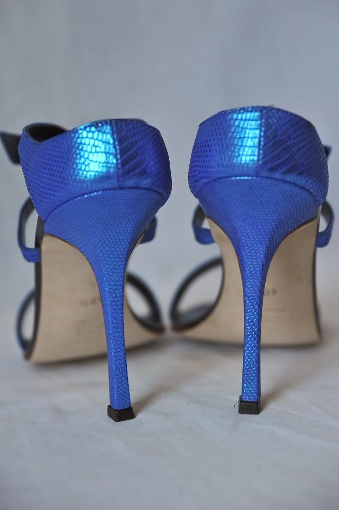 MANOLO BLAHNIK*TRAMPA*Metallic Blue LIZARD+Crystal Buckle Pump Heel