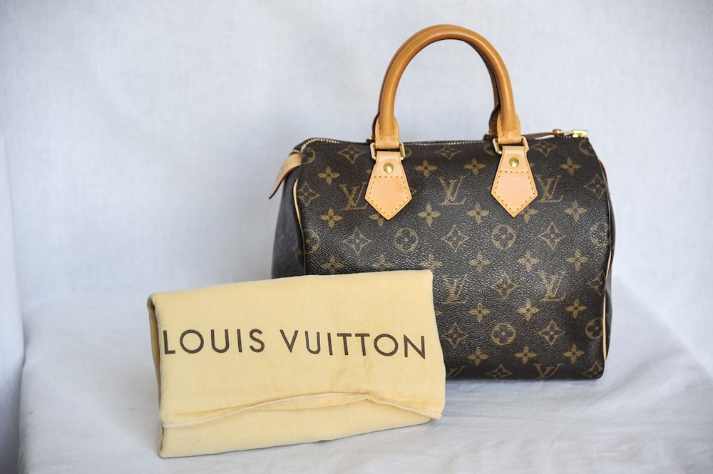 Details about LOUIS VUITTON Monogram Canvas Small SPEEDY 25 Top Handle  - 1000 x 665  117kb  jpg