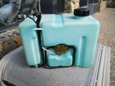 Yamaha outboard remote oil tank with pump sensor cap ebay for Outboard motor oil change pump