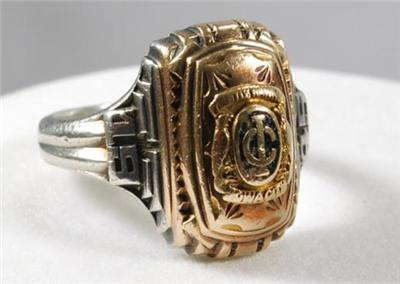 antique 1945 high school class ring iowa city