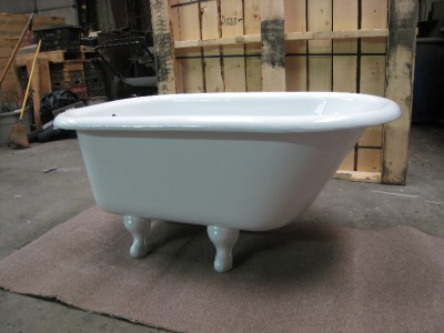 4 FOOT CLAWFOOT BATHTUB RESTORED VINTAGE CLAW FOOT BATH