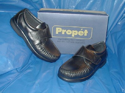 propet mens black closure comfort walking shoe 13 m