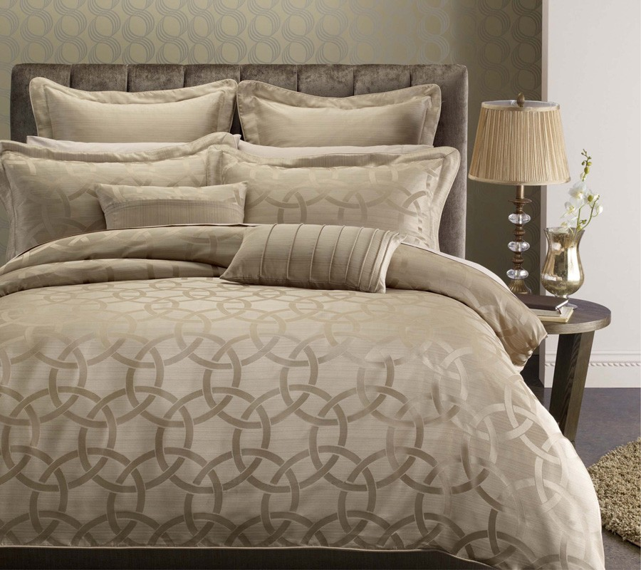 Queen Full 39 Paulina 39 7 Piece Duvet Cover Set By Royal