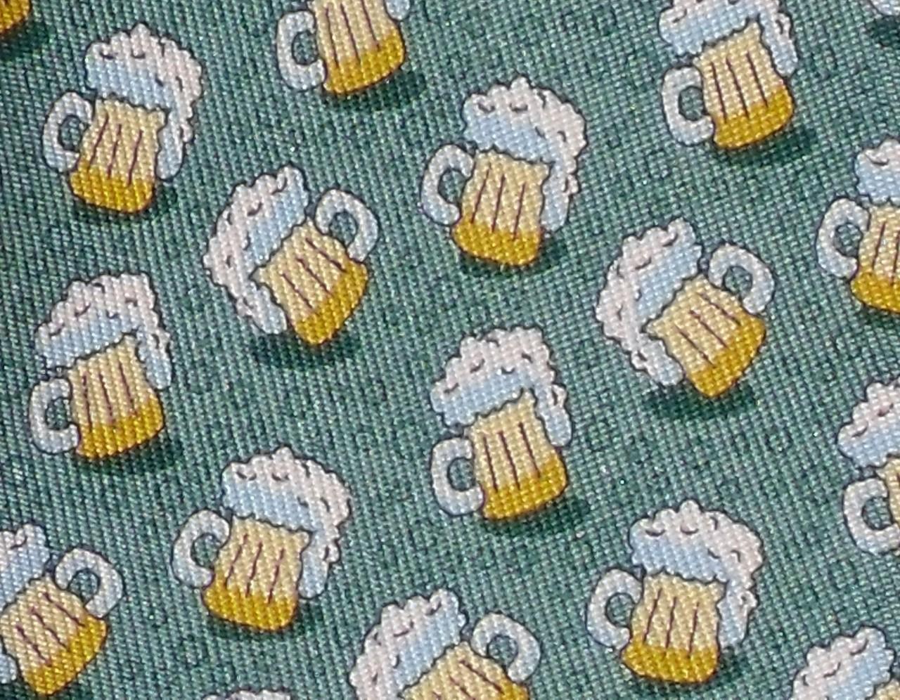 Vineyard-Vines-Beer-Mugs-Skinny-SILK-Neck-Tie-NWT-75-Many-Colors    Vineyard Vines Fish Pattern