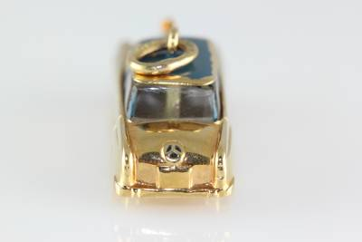 Vintage 14k gold 3d mercedes benz car classic charm for Mercedes benz charm