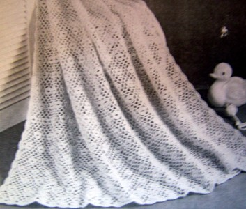 Patons Knitting Patterns Baby Blankets : Shawls Beehive Knitting Crochet Patterns Baby Blankets Patons 129 eBay