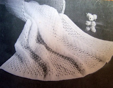 Shawls Beehive Knitting Crochet Patterns Baby Blankets Patons 129 eBay