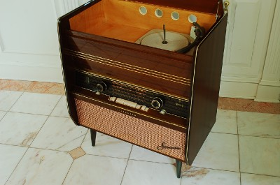 Vintage Stereo Cabi  Makeover moreover 1938 Radiolympia furthermore B and O Bang Olufsen speaker plugs jacks replacment together with Diy Repurposing An Old Stereo Console besides 160590161732. on telefunken console radio