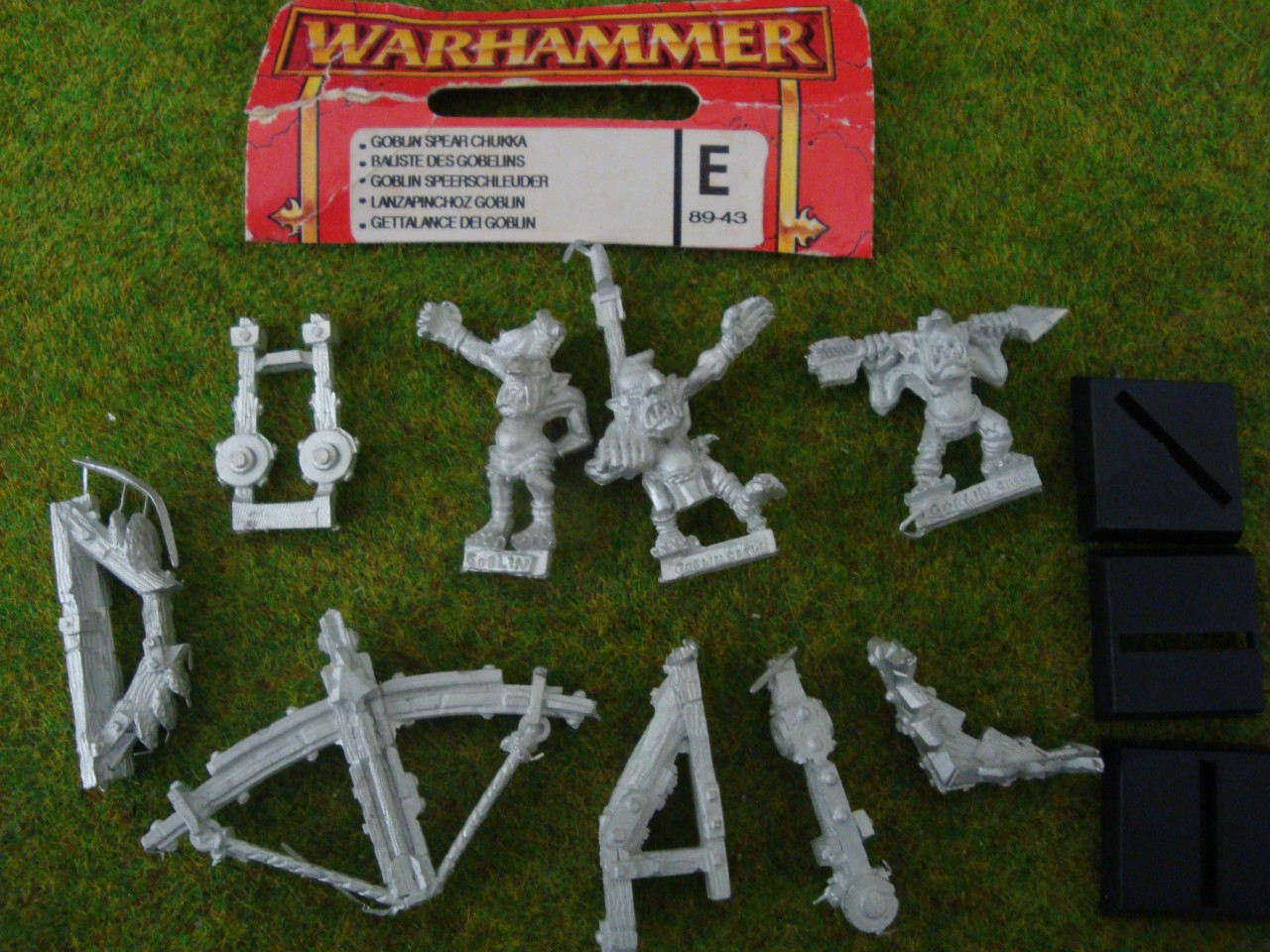 Goblin-Spear-Chukka-MINT-metal-figure-Warhammer-Orcs-Army-Games-Workshop