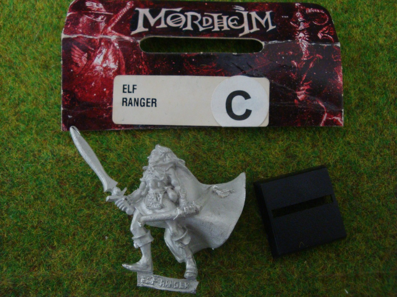 Mordhelm-Elf-Ranger-MINT-metal-figure-Warhammer-Game-Workshop-OOP