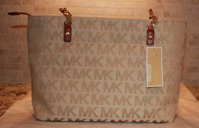 burberry purse outlet  at an outlet!